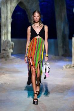 модная обувь весна 2021 тренд цепи