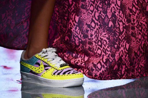 модные кроссовки весна осень 2021