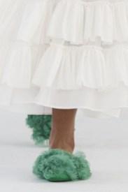 модная обувь весна лето осень 2021 тренд тапки