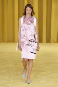 модные платья 2021 модные цвета платьев розовый