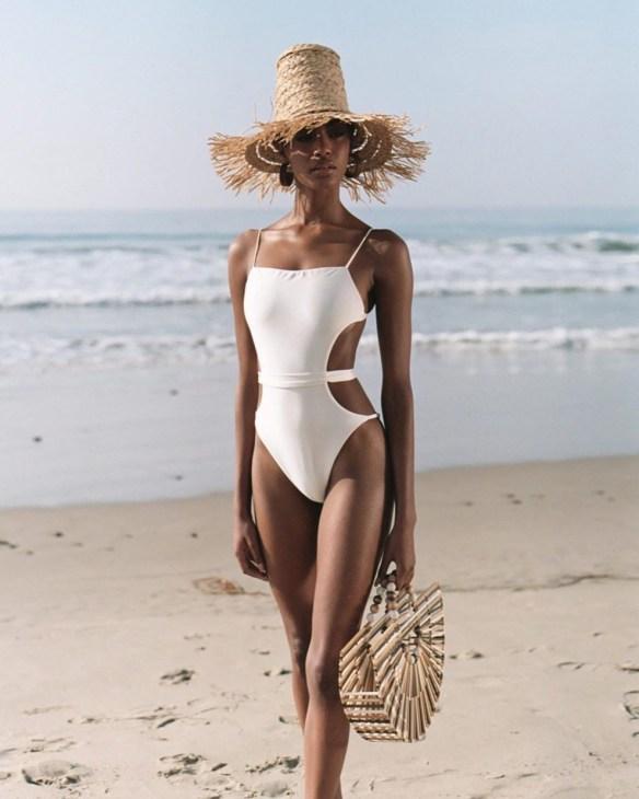 самые модные и красивые купальники 2021