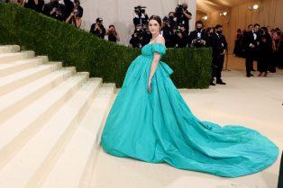 Bee Carrozzini in Valentino Haute Couture