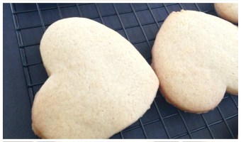 Classic roll-out sugar cookies via milasmilieu.com
