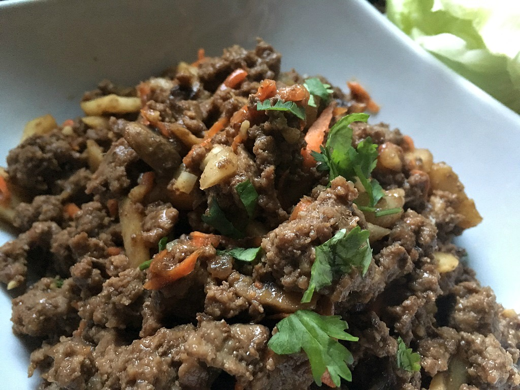 Asian beef lettuce wraps, low-carb and healthy