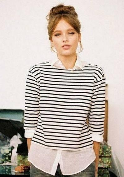 Горизонтальная полоса: как носить кофточки в морском стиле
