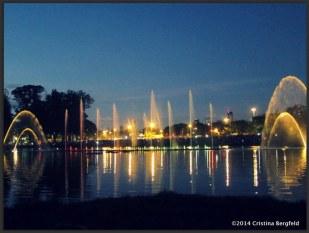 Xmas fountain concert in Ibirapuera Parque, Sao Paulo