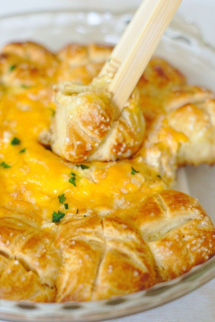 Soft Pretzel Beer Cheese Dip