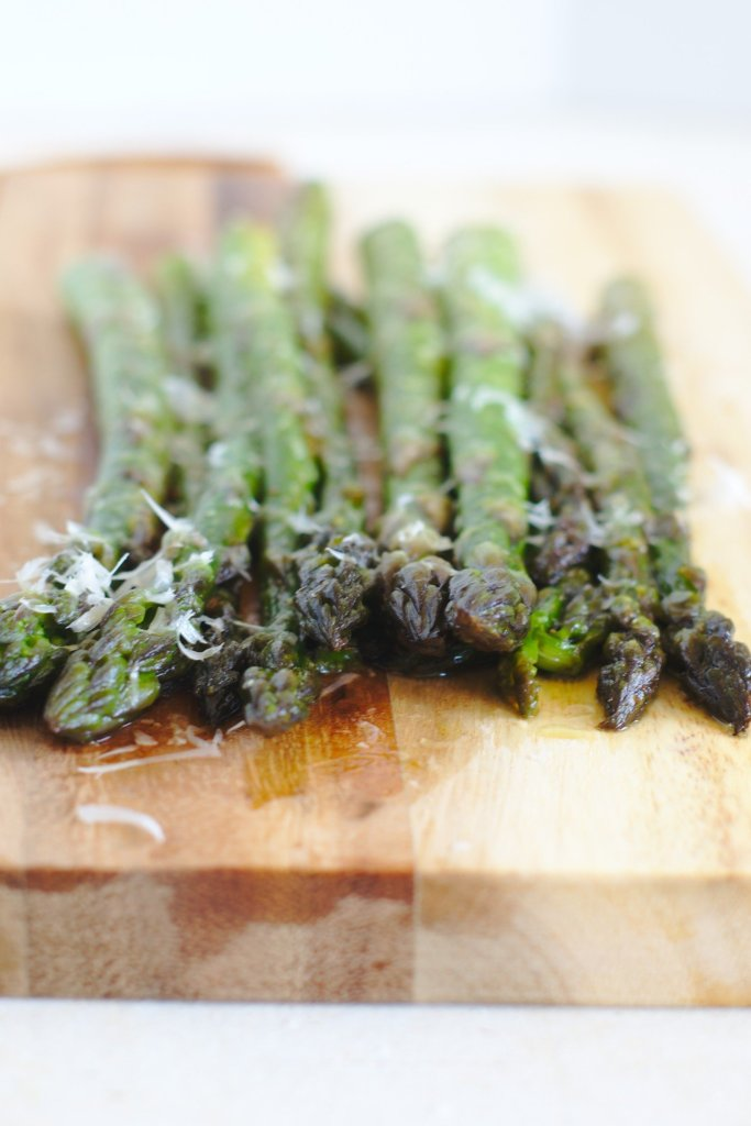 How to cook asparagus on the grill