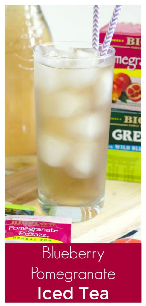 Blueberry Pomegranate Iced Tea - A light and refreshing summer drink! Two different iced teas brewed together and lightly sweetened with honey. Iced Tea Recipe | Easy Tea Recipe | Easy Iced Tea #tea #drink #drinks #recipe #easyrecipe