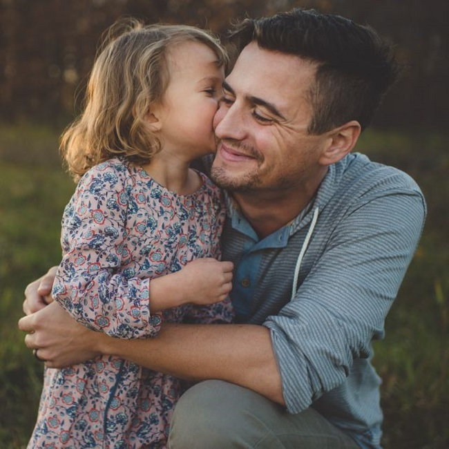 A father should give all the love he can to his daughter.