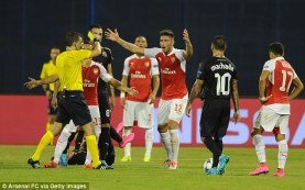 ROY KEANE MAULED BY FANS FOR HIS CARELESS STATEMENTS ABOUT ARSENAL