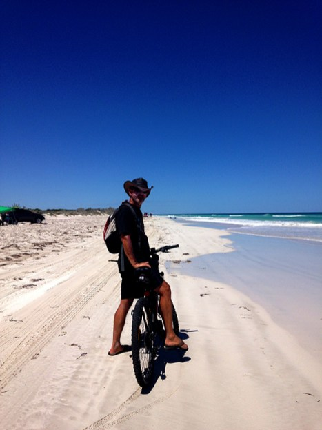 Off we go 21km of beach bike riding ahead well that was about to change