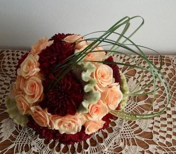 Аранжировка от рози и далии (2)