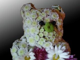 Мече-от-цветя-2