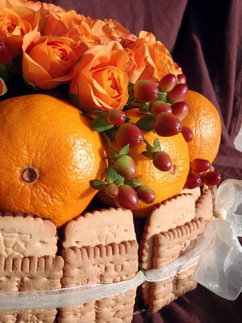 Торта-от-цветя-и-лакомства-3