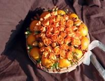Торта-от-цветя-и-лакомства