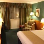 Holiday Inn Heathrow Room