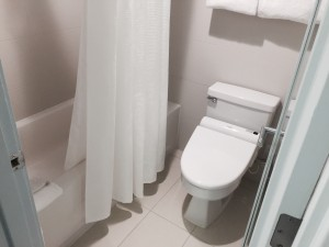Hyatt Regency Waikiki - Bathroom