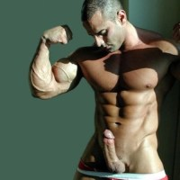 Veiny biceps on washboard abs in hotter than hell! Paired with stiff cock, heaven!