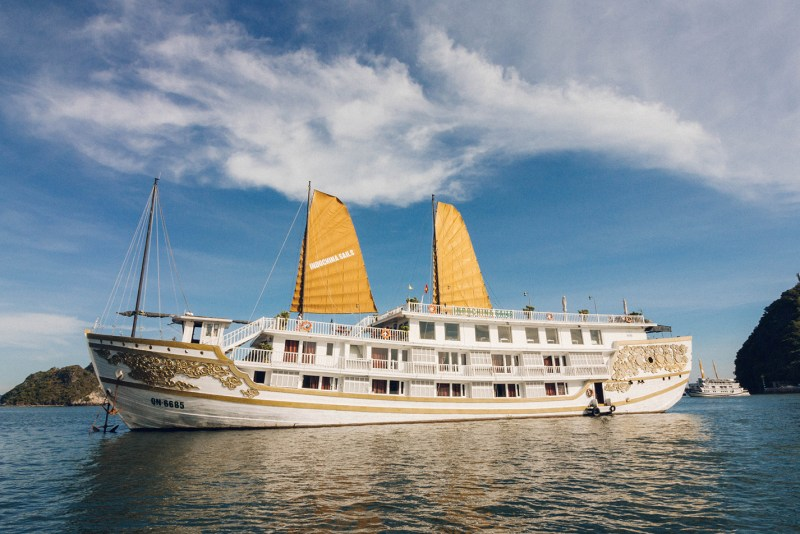 Ha Long Bay CruiseHa Long Bay Cruise, Indochina Sails, Where to stay in Ha Long Bay, What to see in Ha Long Bay, Junk boat cruise in Ha Long Bay, Ha Long, Cat Ba, Boat tours in Ha Long.