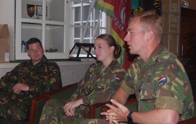 KMA 3 cadetten - uitsnede aub mak alleen soldaten afbeelden, niet de doos!
