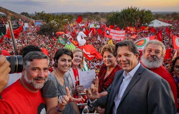 Lula é registrado oficialmente candidato à Presidência junto ao Tribunal Superior Eleitoral (TSE) em Brasília. #LulaÉCandidato #LulaLivre Foto: Ricardo Stuckert