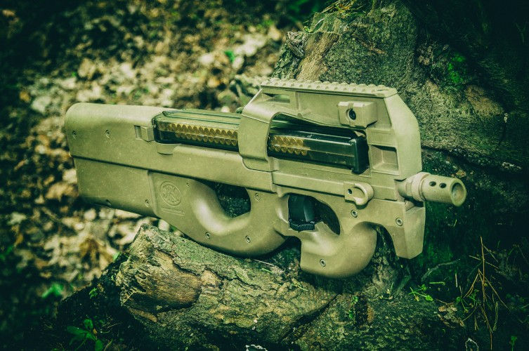 FN P90 Cybergun replika AEG
