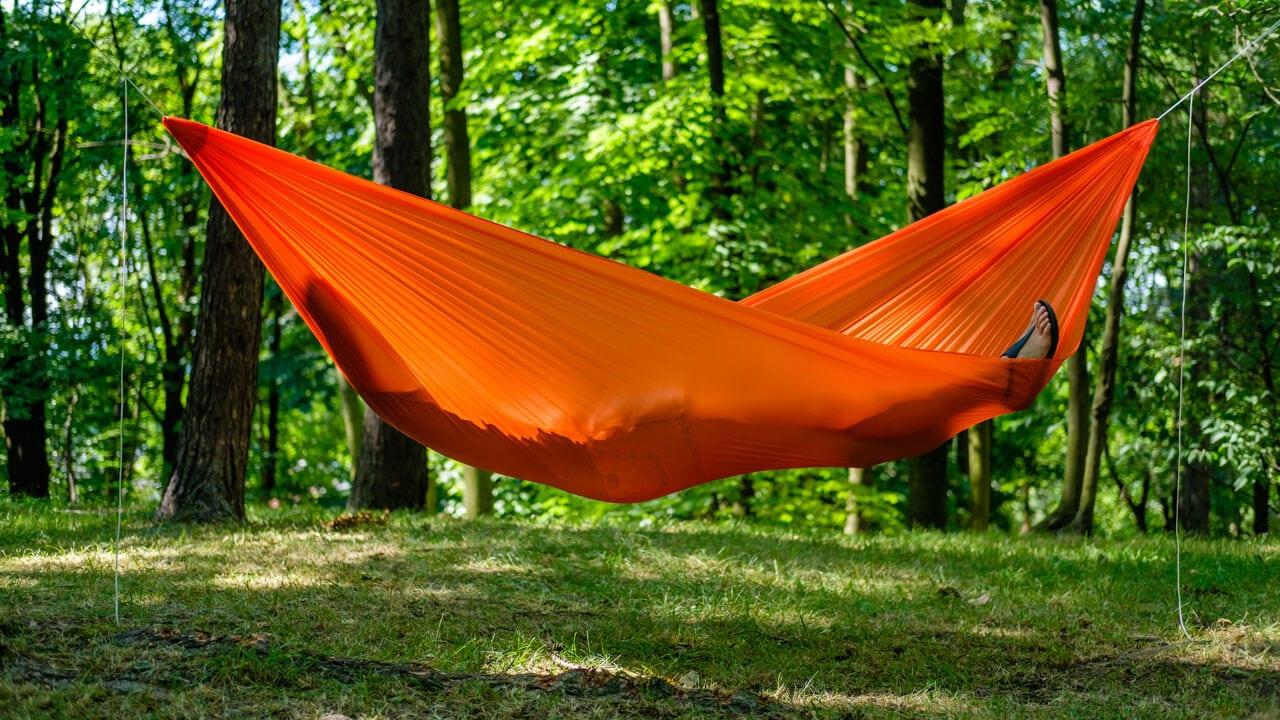 sposoby na leśne obozowanie, hamak ULTRALIGHT 2 Chili lesovik