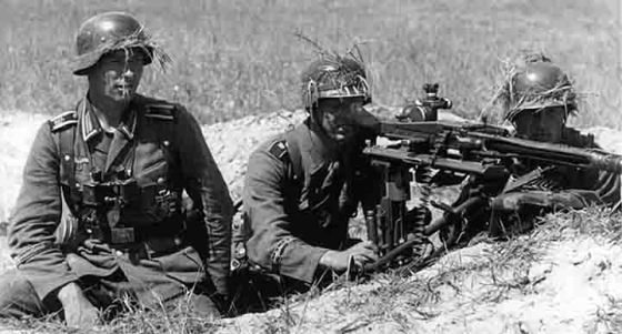 Soldiers of Germany's elite Großdeutschland.