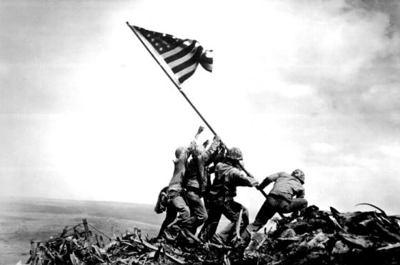 The raising of the U.S. flag on Iwo Jima, 1945. (Image source: WikiCommons)