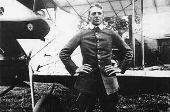 Oswald Boelcke taught young Von Richthofen all about air combat.