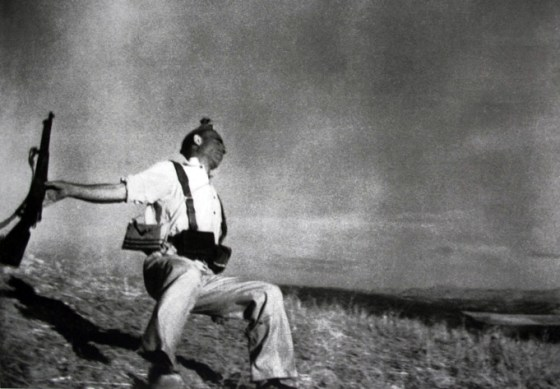 Was this iconic photo a phoney? Probably, say experts.
