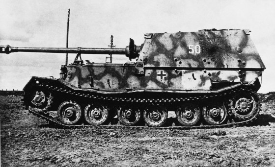 A Ferdinand Schwerer Panzerjäger (heavy tank destroyer) captured after the battle of Kursk. (Image source: GermanWarMachine.com)