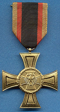 A German Gold Cross of Honour. Image source: WikiCommons)