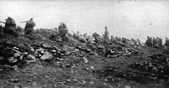 Serb troops advancing along the Salonika Front. (Image source: WikiCommons)