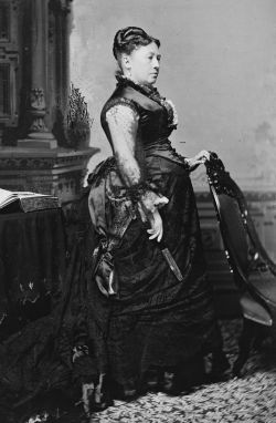 Future First Lady Julia Grant. (Image source: WikiCommons)
