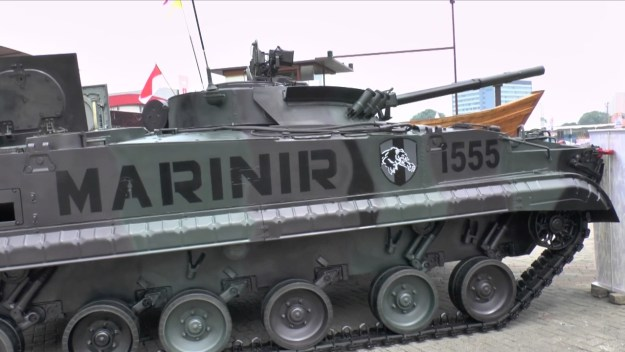 Indo Def 2016: BMP-3F - modified for amphibious operations