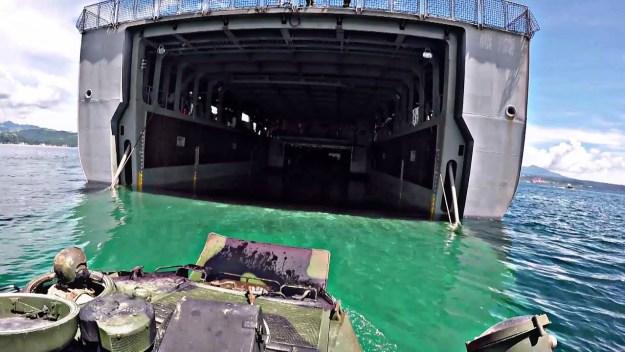 US Marines AAV board Philippine Navy's BRP Tarlac (LD 601)