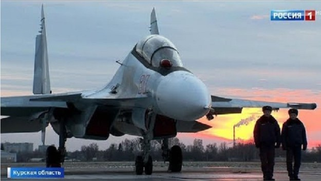 100 SU-30SM Supermaneuverable Fighter Aircrafts Guard Russian Sky
