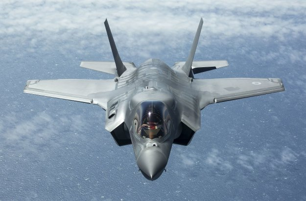 Lockheed Martin F-35 Lightning II Jet Fighter Wallpapers