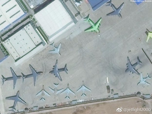 China's New Y-20  Kunpeng is the largest strategic airlifter currently in production
