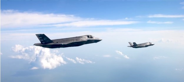 F-35s on board Royal Navy HMS Queen Elizabeth