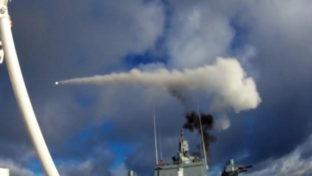 Frigate Admiral Gorshkov practice anti-aircraft drills in Barents Sea