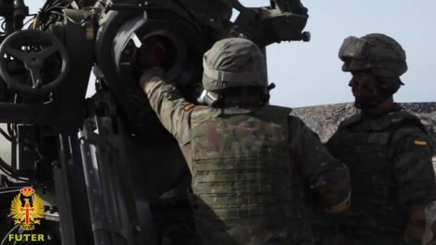 155/52 APU SBT Tow Field Howitzer