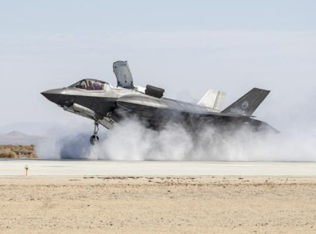 Lockheed Martin wins $712M to upgrade F-35 avionics
