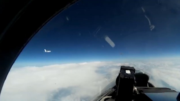 Russia's Su-27 fighter jet intercepts Swedish Gulfstream recon aircraft over Baltic sea