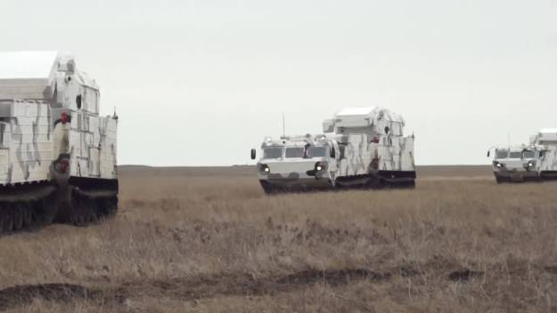 Russian Tor-M2DT anti-aircraft missile system trains to defend the Arctic