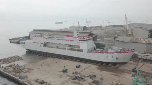 Indonesia Navy launches fourth Teluk Bintuni-class LST