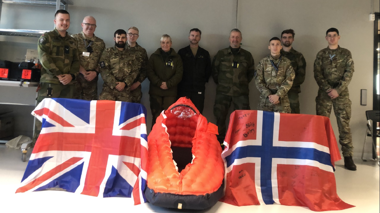 Royal Navy Teach Survival Techniques to Norwegian Pilots