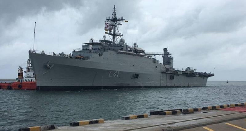 INS Jalashwa (L41) Austin-class amphibious transport dock